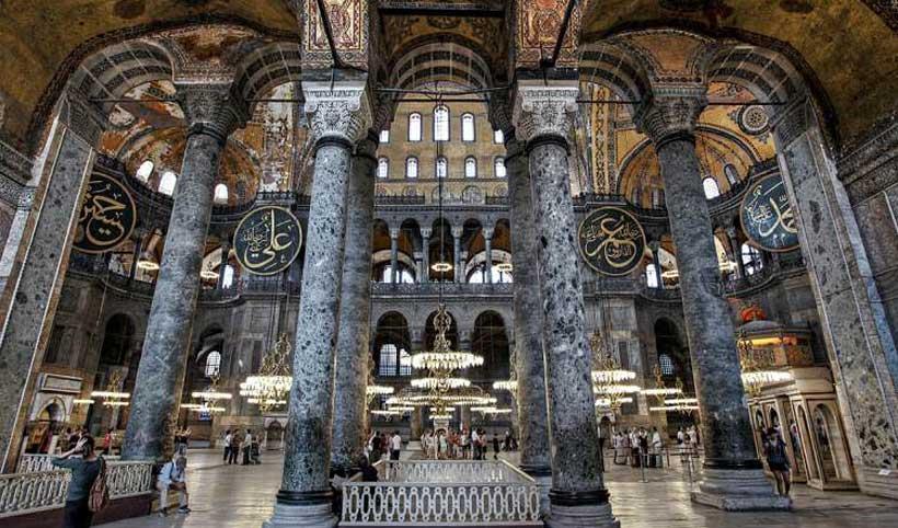 راهنمای موزه ایاصوفیه در استانبول ترکیه